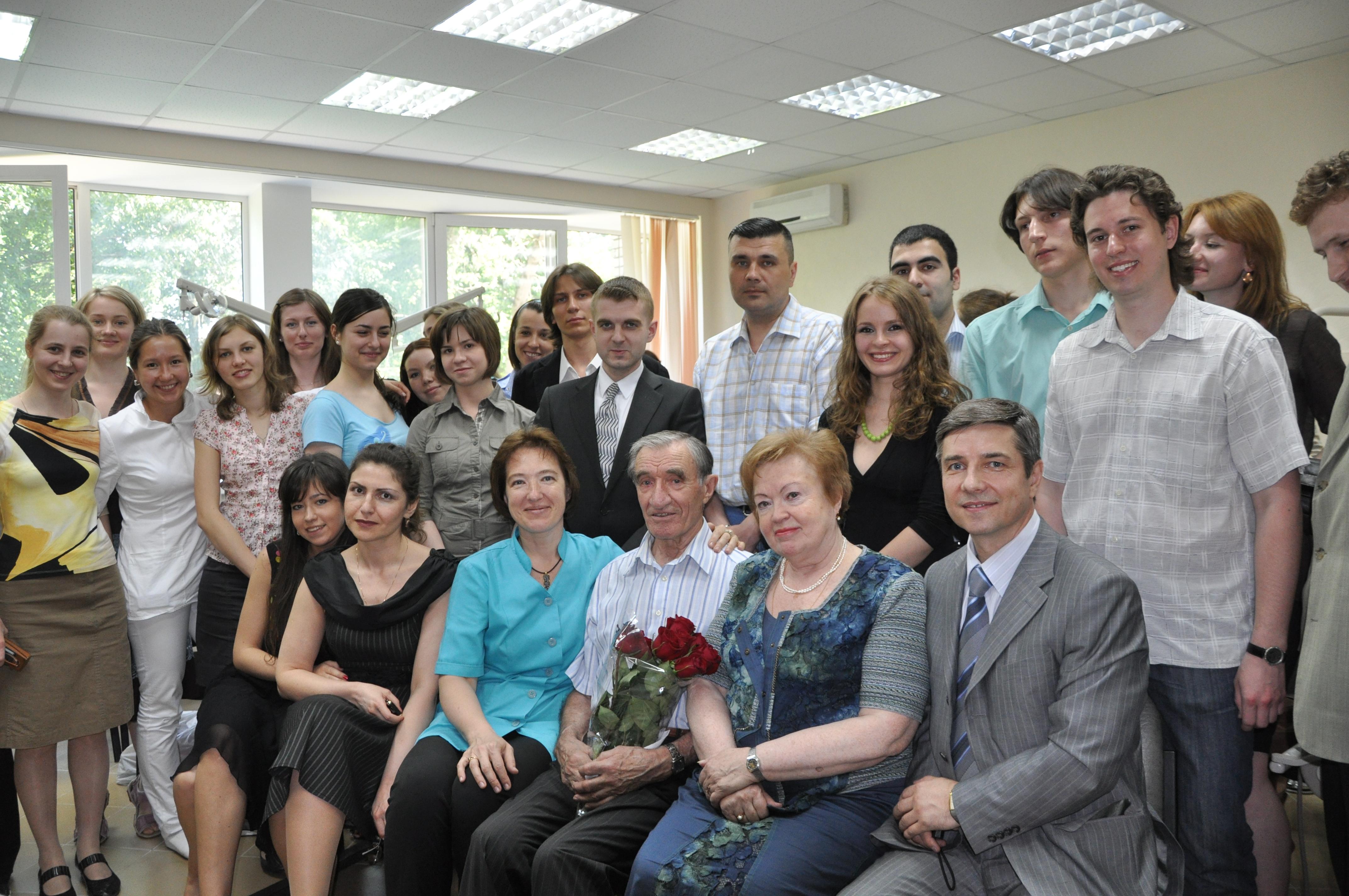 На кафедре приветствуем профессора Бороского Е.В. Он рассказал нам о своей жизни  во время великой отечественной войны