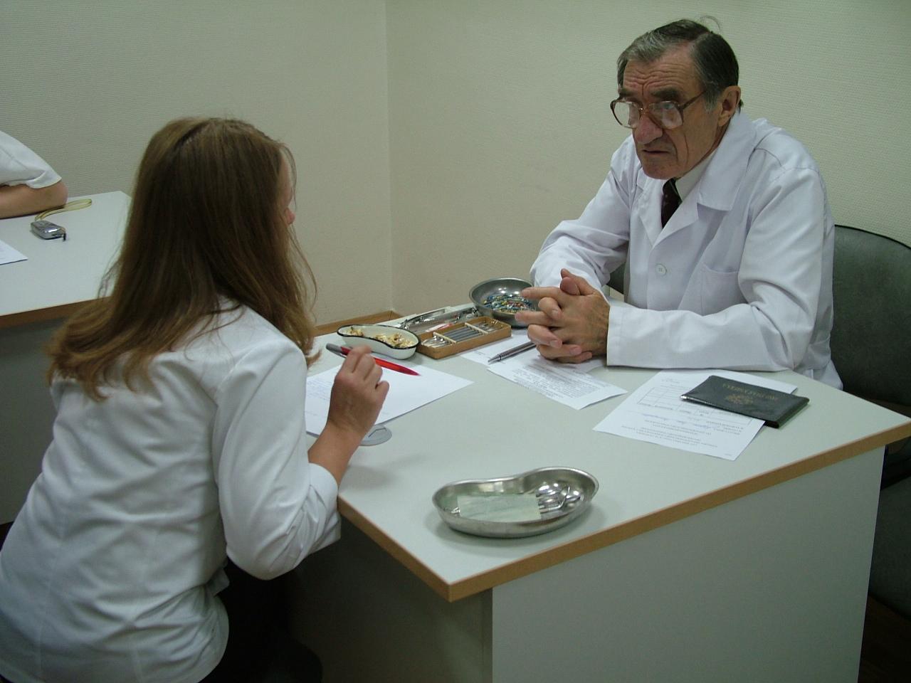 Сдаю экзамен по терапевтической стоматологии  строгому и знаменитому профессору Боровскому Евгению Власовичу